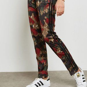 ADIDAS Women's Pharrell Williams Hu Camo Pant